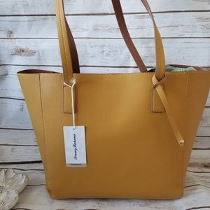 NWT | Tommy Bahama Summer Tote & Matching Wristlet